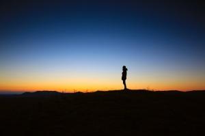 alone-dawn-dusk-3371 pexels